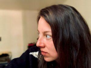 Kasza Julianna profilképe bal profilból